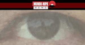 Imagem do reflexo nos olhos de artista japonesa