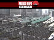 Trens estacionados para se preparar para a chegada do tufão