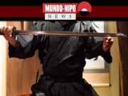 Ninja japones apresenta-se em palco