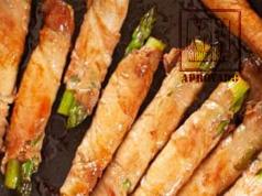 Rolinhos de aspargos com carne de porco